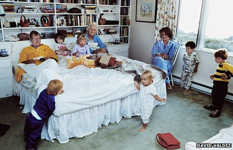 Vice-President George H W Bush and Barbara Bush with their grandchildren in the bedroom of their home in Kennebunkport, Maine, 1987. (David Valdez Photographic Archive Dolph Briscoe Center for American History The University of Texas at Austin)