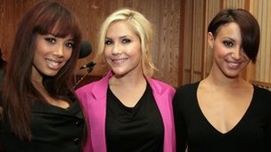 Jade Ewen (l) with her fellow Sugababes