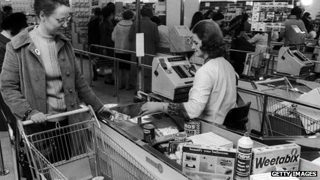 A housewife supermarket shopping in 1972