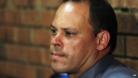 Detective Hilton Botha in court (21 February 2013)
