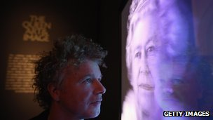 Hologram of the Queen