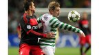 Benfica&#039;s Brazilian striker Jardel (left) vies with Celtic&#039;s Kris Commons