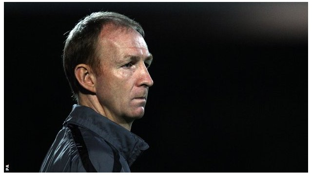 Torquay United manager Alan Knill