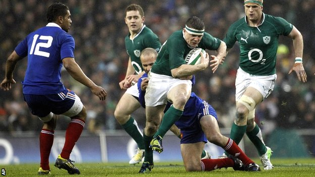 Brian O'Driscoll in the thick of the action for Ireland