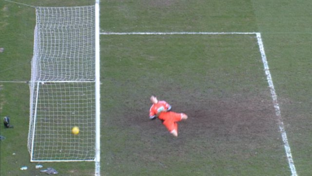 Outrageous goalline gaffe costs Hibs