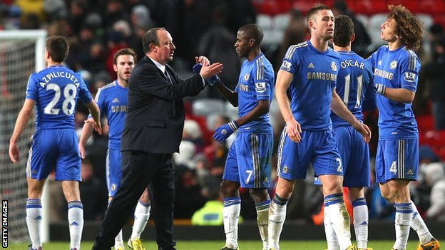Rafael Benitez congratulates his players after Chelsea come from 2-0 down to draw 2-2 at Manchester United in the FA Cup