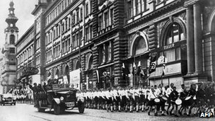 Nazi parade in Vienna after 1938 Anschluss