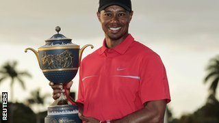 Tiger Woods lifts World Gold Championships trophy