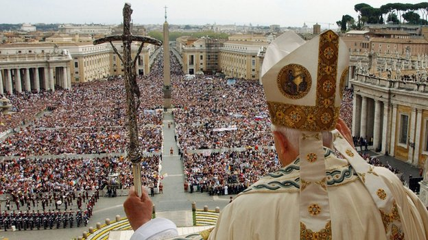 Pope Benedict celebrates Easter Mass