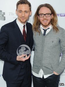 Tom Hiddleston and Tim Minchin