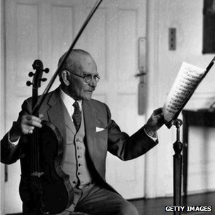 Lionel Tetris was one of Britain's finest designers and players of the viola