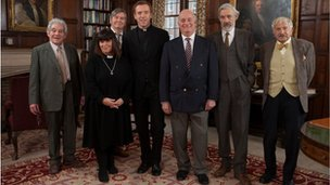 Damien Lewis (centre) with the Vicar of Dibley cast