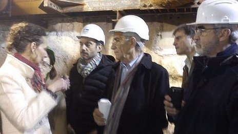Mayor of Thessaloniki visits Roman ruins discovered beneath the city