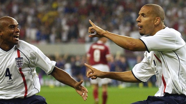 Rio Ferdinand scores for England at 2002 World Cup