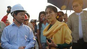 Aung San Suu Kyi with miners