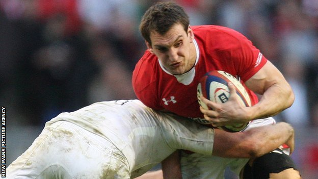 Sam Warburton takes on England in 2012