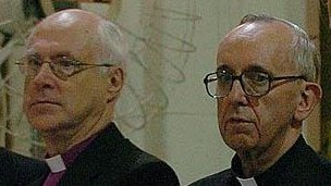 Bishop Gregory Venables (l) and Cardinal Jorge Bergoglio