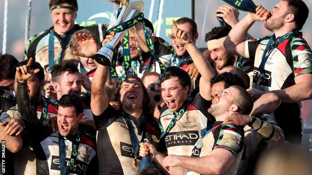 Harlequins players celebrate winning the LV= Cup