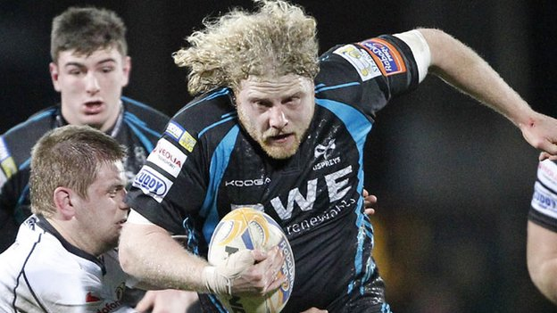 Duncan Jones in action for the Ospreys