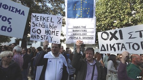 Angry Cypriots protesting in Nicosia, 18 Mar 13