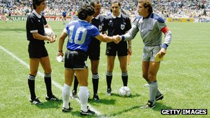 Peter Shilton shakes hands with Diego Maradona before the England v Argentina game at the 1986 World Cup