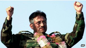 Pervez Musharraf at a political rally in Pakistan in August 2002