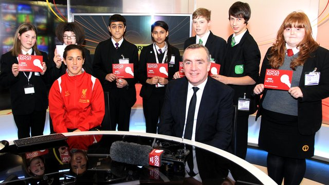 Fara Williams & Ian Ayre accompany School Report children