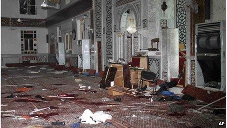 Scene inside Iman mosque in Damascus (20 March 2013)