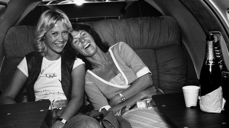 Agnetha and Frida in a private jet in 1979