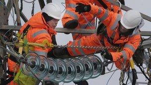 SSE workers repairing pylons in Kintyre