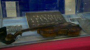 Titanic violin at city hall