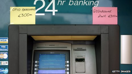 300 euros withdrawal limit post-it note on ATM in Cyprus