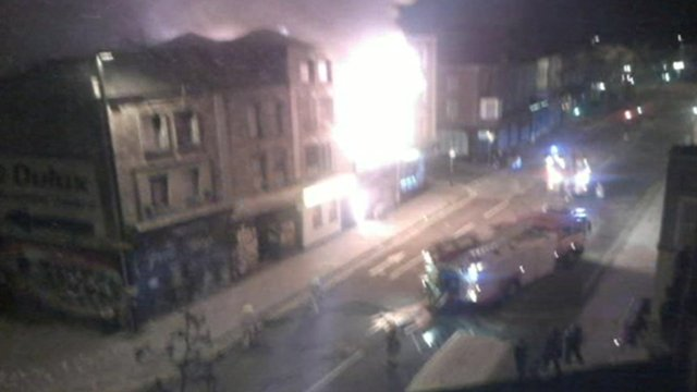 The first fire engines arrive in Stokes Croft