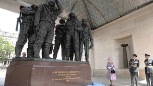 Queen unveils Bomber Command memorial in London