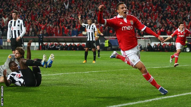 Rodrigo celebrates for Benfica
