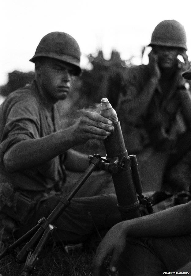 Soldiers fire a captured M2 60mm mortar
