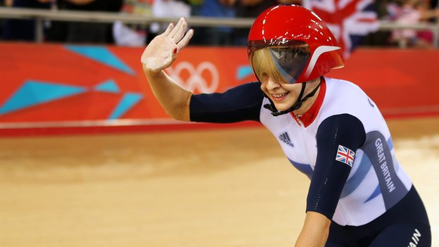 Joanna Rowsell cycles to gold in London