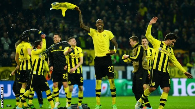 Dortmund celebrate their victory over Malaga