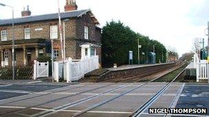 Level crossing at Nafferton Station