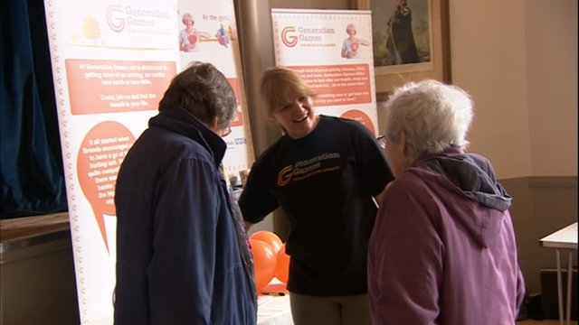 Volunteer with the elderly