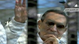 Mubarak in court, Cairo (13 April 2013)