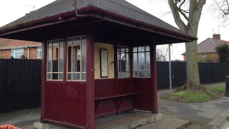 Bus shelter on Henley Road, Caversham