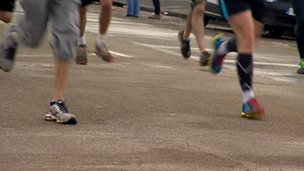 Runners taking part in the 2013 Brighton marathon