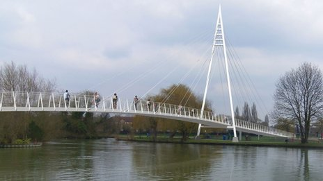 Reading River Thames footbridge design