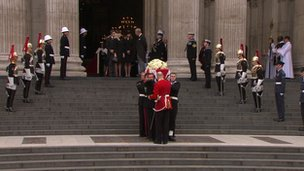 Coffin leaves St Paul's
