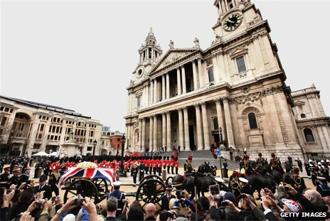 Crowds outside St Paul's