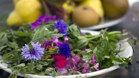 Foraged flowers and yarrow