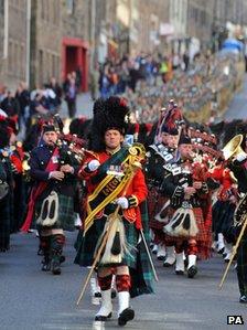 1 SCOTS parade