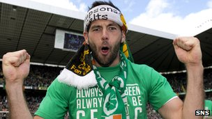 Joe Ledley goes all Jonny Rambo during the Celtic title celebrations