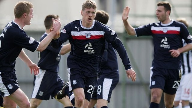 Highlights - St Mirren 1-2 Dundee